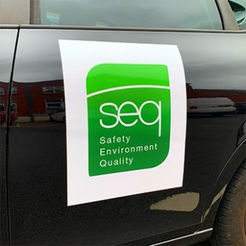 Magnetic signs - cheap printing for vehicles